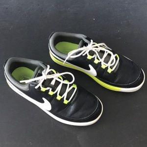 Kids Nike VT Junior Golf shoes in black/ volt.